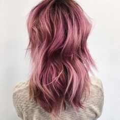 This rosy-pink perfection by @cassandrabickett was created using Schwarzkopf…