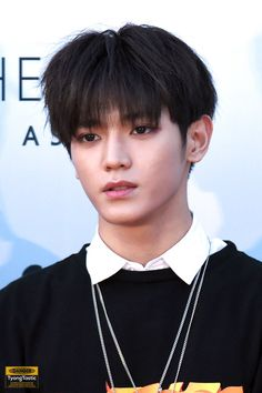I love all of Taeyong's hair color, especially black