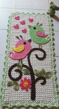 Nossa Senhora Aparecida em crochê-Quadro Mais Crochet Bunny, Cute Crochet, Crochet Motif, Beautiful Crochet, Crochet Doilies, Crochet Flowers, Crochet Patterns, Crochet Home Decor, Crochet Crafts