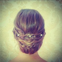 #weddinghair #upstyle #brunette #sarahthehairartist