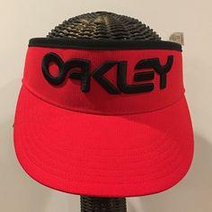 brand new 39a49 67736 OAKLEY HAT High Crown Visor Golf Red Black 3-D Embroidered Logo Hydrolix    eBay