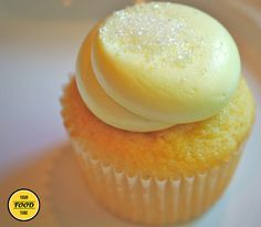 Checkout the best limoncello cupcakes recipe on the net! Once you try this amazing Italian dessert, you will ask for more!