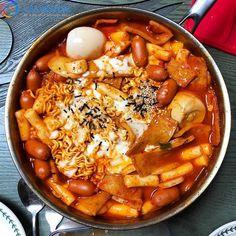 Food Porn, K Food, Food Network Recipes, Real Food Recipes, Yummy Food, Korean Street Food, South Korean Food, Food Goals, Cafe Food