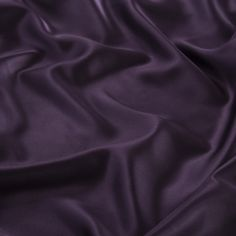 22 Momme Seamless Silk Bedding Set Deep Purple (6)   http://www.snowbedding.com/   Snow Bedding offers a wide range of silk bedding products: silk filled duvet/ comforter, silk pillows, silk sheets, silk bedding sets in different styles and colors.  #silkbedding #silksheets #silkluxurybedding #silkbeddingsets #luxurybedding #chinesesilkbedding #satinbedding #silkcomforters #silkbeddingcostco