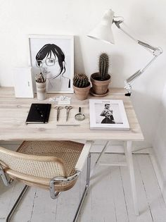 A workspace made for creating wonderful things. Simple, organised - sheer perfection.