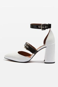 e405af20369 Killer sandals · GUSTO Buckle Strap Block Heels Leather High Heels