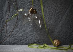 Sania Pell At Home – The Blog » Blog Archive » decorate with bulbs and biscuits