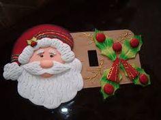 Resultado de imagen para adornos navidad 2016 goma eva y fieltro imagenes Christmas Time, Christmas Ornaments, Switch Plates, Holiday Decor, Home Decor, Pasta, Holidays, Google, Scrappy Quilts