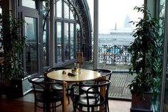 Las vistas y el entorno de la terraza del restaurante del Museo de los Instrumentos Musicales son únicas