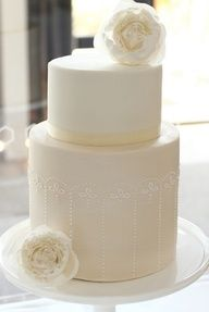 Weddings | Modern Cakes - Cake by Hello Naomi - #modern #cakes #food+drink