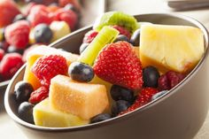 Keep desserts nice and healthy by making our easy fruit salad. Served with a delicious lemon sugar syrup, this fruit salad recipe is quick, easy and very tasty Fruit Salad Recipes, Raw Food Recipes, Snack Recipes, Healthy Recipes, Dessert Recipes, Organic Fruit, Intuitive Eating, Best Fruits, Kids Meals