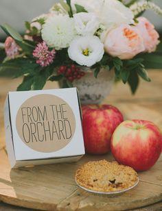 apple pie box favors