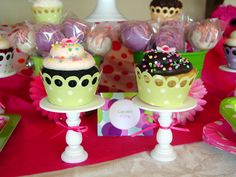 Holy Craft: Baby shower week- Cupcakes!