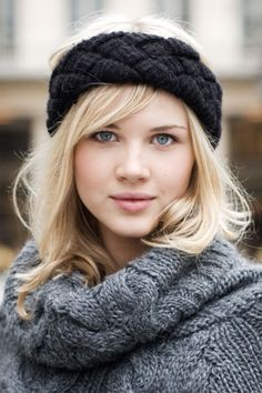 knitted headband :)