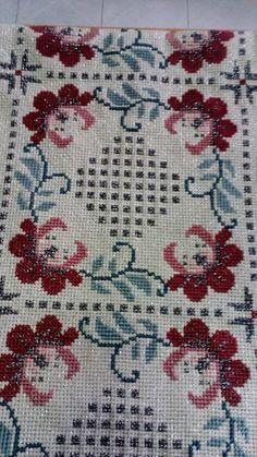 Gallery.ru / Фото #86 - KENTHMATA - ergoxeiro Cross Stitch Art, Cross Stitch Designs, Cross Stitch Embroidery, Needlepoint Patterns, Filet Crochet, Bargello, Diy And Crafts, Cushions, Textiles