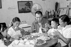 Childhood life in China, Family gathering