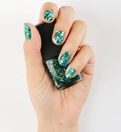 Mermaid Tail Sparkle Nail Polish! 3CE