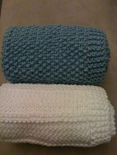 Burp cloths - nice changes from baby blanket gift. free patterns