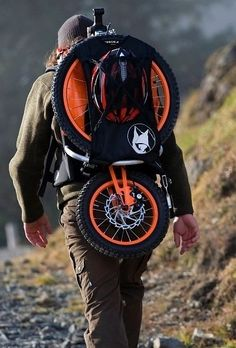 A German company came up w/ specialized bikes for mountain climbers. Click through for more cool bike designs. Velo Design, Bicycle Design, Pimp Your Bike, Velo Cargo, New Bicycle, Folding Bicycle, Specialized Bikes, Super Bikes, Mountain Biking