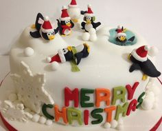 I'm not very good with gumpaste charactors but this is super cute. Christmas Cake Designs, Christmas Cake Decorations, Christmas Cupcakes, Holiday Cakes, Christmas Desserts, Sweet Cakes, Cute Cakes, Beautiful Cakes, Amazing Cakes