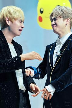 V & Jimin | © Ranunculus | Do not edit || who would you trust to show your ugly face to? Your best friend, of course!