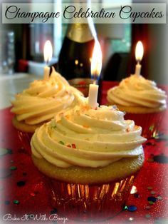 Bake It With Booze!: Champagne Celebration Cupcakes {with Vanilla Champagne Filling} #NewYearsEve #GrownUps #Birthday #Festive