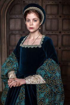 #charlottehope CHARLOTTE HOPE – The Spanish Princess, Season 2 Promos, 2020 Tudor Dress, Medieval Dress, Narnia, White Queen Costume, Medieval Princess, Tudor Fashion, The White Princess, Catherine Of Aragon, Royal Dresses