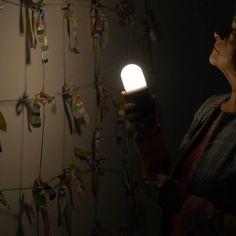 Elke week trommelt Luuk Heezen een museumdirecteur of conservator uit bed voor zijn of haar favoriete kunstwerk uit hun museumcollectie. In het nieuwe seizoen, nieuwe avondbezoeken. Deze aflevering bezoekt hij het CODA Museum in Apeldoorn.
