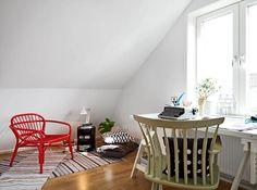 ヨーテボリ16での二つの階のアパートデカダンアクセントで独創的に設計された2つのフロアアパートメント