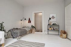 Dormitorio individual en tonos grises. Ideas decoración #dormitorios