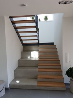 transparenz silviaislers webseite staircaserailings transparenz silviaisle delivers online tools that help you to stay in control of your personal information and protect your online privacy. U Shaped Staircase, House Staircase, Staircase Railings, Stairways, Home Stairs Design, Interior Stairs, Home Interior Design, House Design, Stairs Architecture
