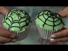 How To Decorate Cupcakes With Halloween Themed Icing