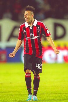 Success Stephan via forza-rossoneri.tumblr.com