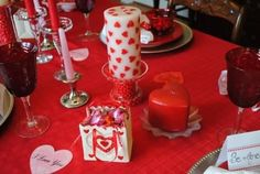ROMANTIC TABLE DECORATING IDEAS FOR VALENTINE'S DAY - 4 UR Break you can find all that & more on http://www.4urbreak.com/
