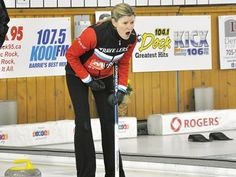 Sherry Middaugh opens Ontario Scotties with extra-end victory - Sherry Middaugh yells encouragement to her sweepers during Draw 1 action against Team Balsdon. Team Middaugh won 9-5.