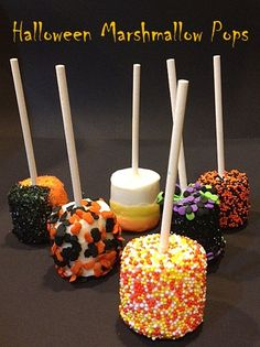 12 HALLOWEEN MARSHMALLOW POPS - just 50 cents each - The Perfect Halloween Goodies for school or daycare or Fall parties. $6.00, via Etsy.