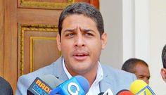 El presidente de la Comisión de Salud de la Asamblea Nacional (AN), José Manuel Olivares, rechazó las declaraciones del embajador de Venezuela ante la Organización de Estados Americanos (OEA), Bernardo Álvarez. José Manuel Olivares, presidente de la Comisión de Salud de la Asamblea Nacional (AN), rechazó las declaraciones que este lunes pronunció el embajador de…
