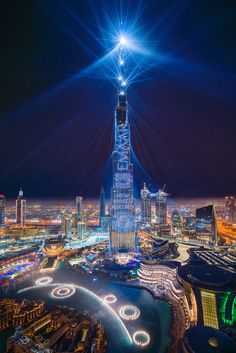 I was lucky to catch the 'Light Up laser show while in Dubai this month. The Guinness World Record-breaking laser show was on repeat after its first showing during last New Years Eve. In Dubai, Dubai City, Dubai Uae, City Lights At Night, Night City, Futuristic Architecture, Amazing Architecture, Laser Show, Dubai World