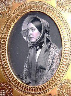 Charming Young Lady in a Bonnet daguerreotype Victorian Life, Victorian Photos, Antique Photos, Vintage Pictures, Vintage Photographs, Old Pictures, Old Photos, Vintage Images, Victorian Portraits
