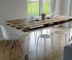 Table à manger en palette de bois