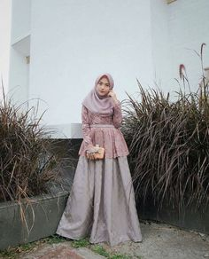 Inspirasi outfit kondangan – N&D – Hijab Fashion 2020 Model Kebaya Brokat Modern, Kebaya Modern Hijab, Dress Brokat Modern, Kebaya Hijab, Kebaya Dress, Model Kebaya Muslim, Muslimah Wedding Dress, Muslim Wedding Dresses, Wedding Hijab