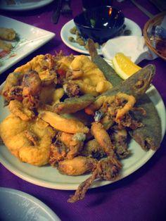 Pescaíto frito! / Fried fish!, by @TartanFlamingo