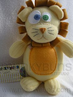Leon the Sock Lion! He will be going to live with a little jungle friend in a new jungle nursery, with, no doubt, lots of jungle animals! Keep safe Leon! Sewing Toys, Sewing Crafts, Sock Animals, Jungle Animals, Silly Socks, Sock Monster, Sewing Stuffed Animals, Sock Puppets, Sock Crafts
