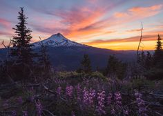 Fire in the Sky at Mt Hood OR [OC] [5107x3648]