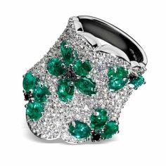 Emerald and diamond ring by Stefan Hafner