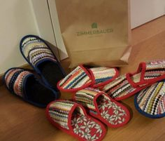 Lustige, hochwertige Fleckerlteppich Schlapfen Slippers, Shoes, Woven Chair, Couple, Funny, Zapatos, Shoes Outlet, Slipper, Shoe