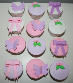 Cupcakes románticos para celebrar el primer añito de Abril!! <3