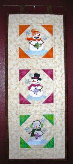 Toasty Snowmen Wall Hanging image0