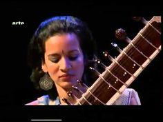Sitar Legend Pt. Ravi Shankar & his lovely Daughter Anoushka - YouTube