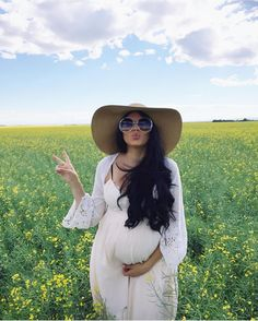 Gently used designer maternity brands you love at up to How to Dress when Pregnant. Pregnancy Looks, Pregnancy Outfits, Pregnancy Photos, Pregnancy Tips, Pregnancy Style, Hippie Pregnancy, Pregnancy Fashion, Stylish Maternity, Maternity Wear